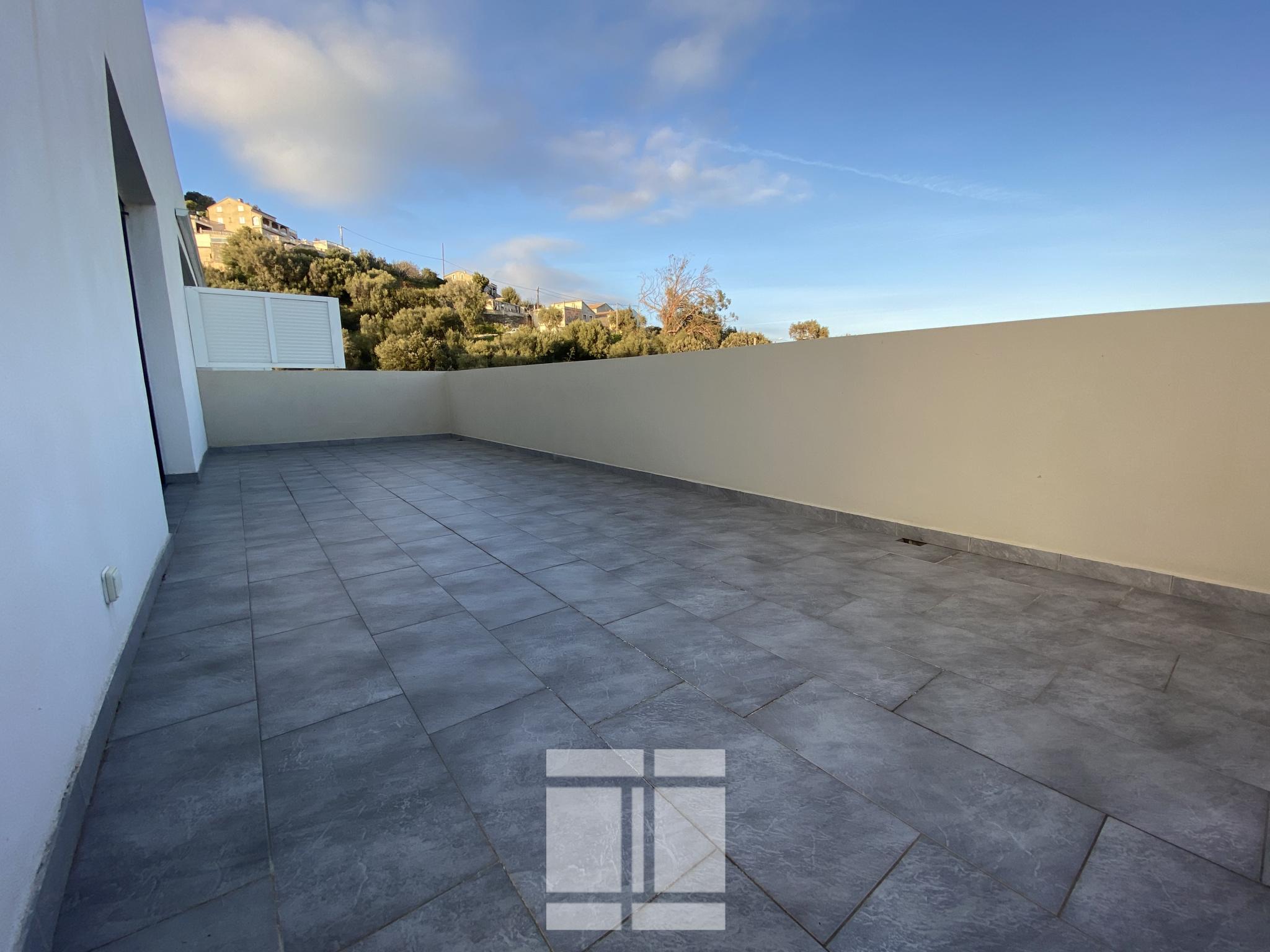 BASTIA - F3 de 85m2 avec superbe terrasse et garage