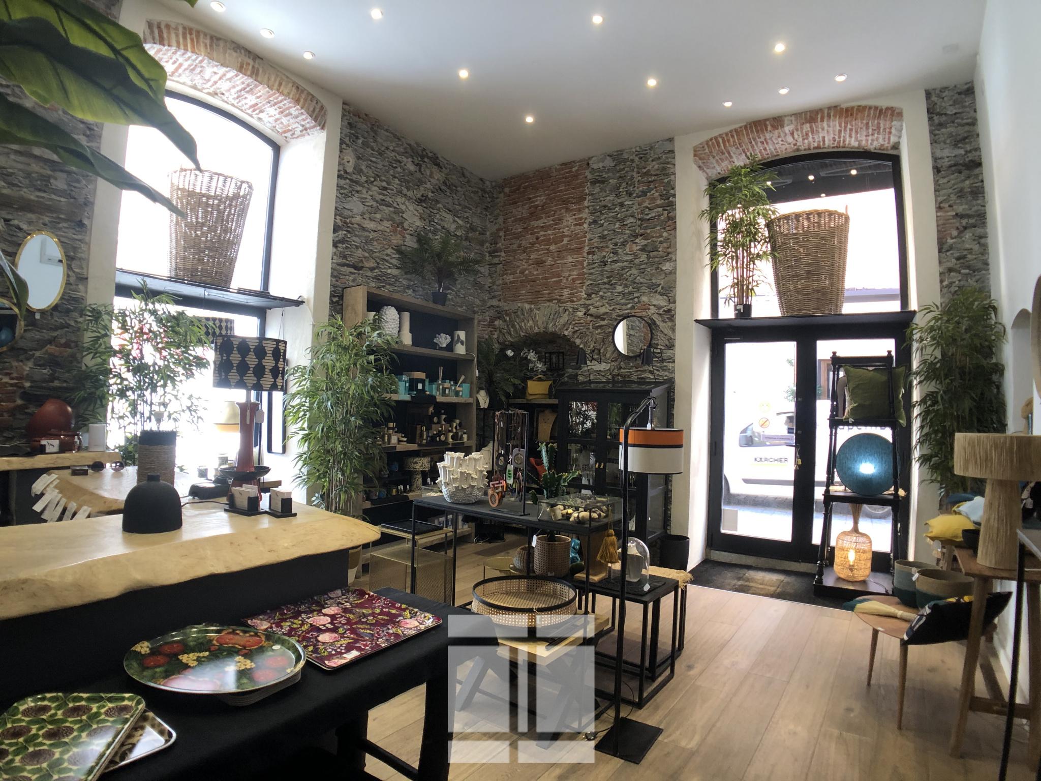 Bastia Centre - Fond de Commerce d'environ 110 M2