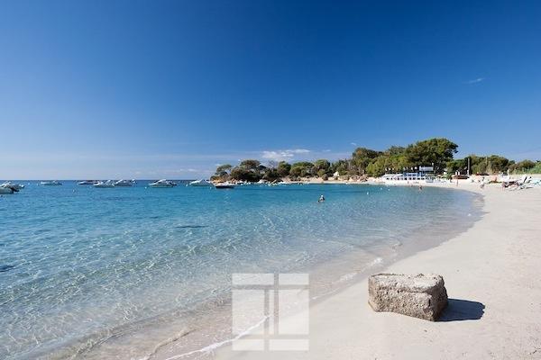 F3 ILES SANGUINAIRES-SANTA LINA  :à 100m des plages
