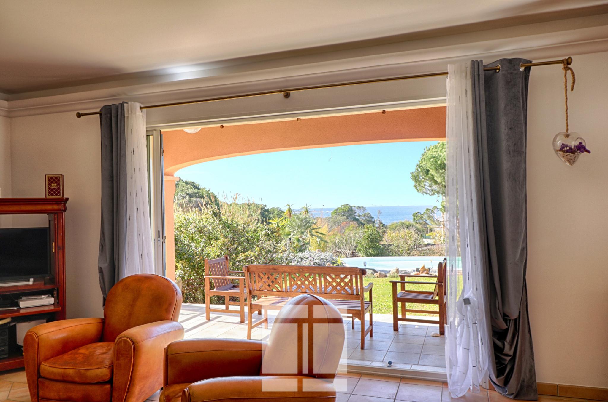 Pietrosella - Villa méditerranéenne avec vue sur la mer