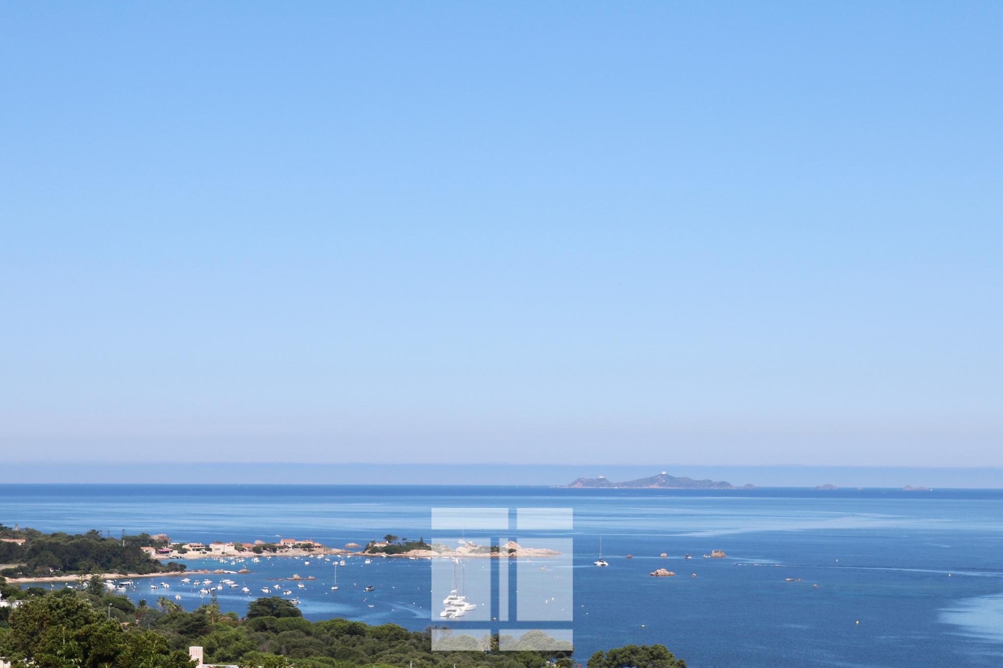 Pietrosella - Villa surplombant la mer