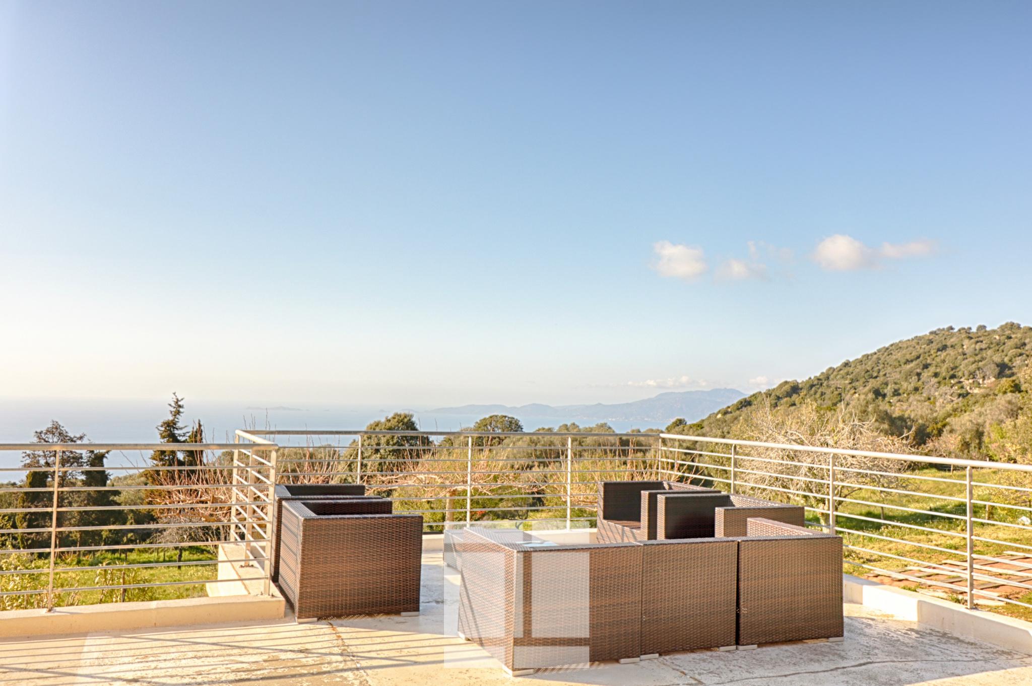 EXCLUSIVITE - Magnifique propriété et vue sur la mer - Coti-Chiavari