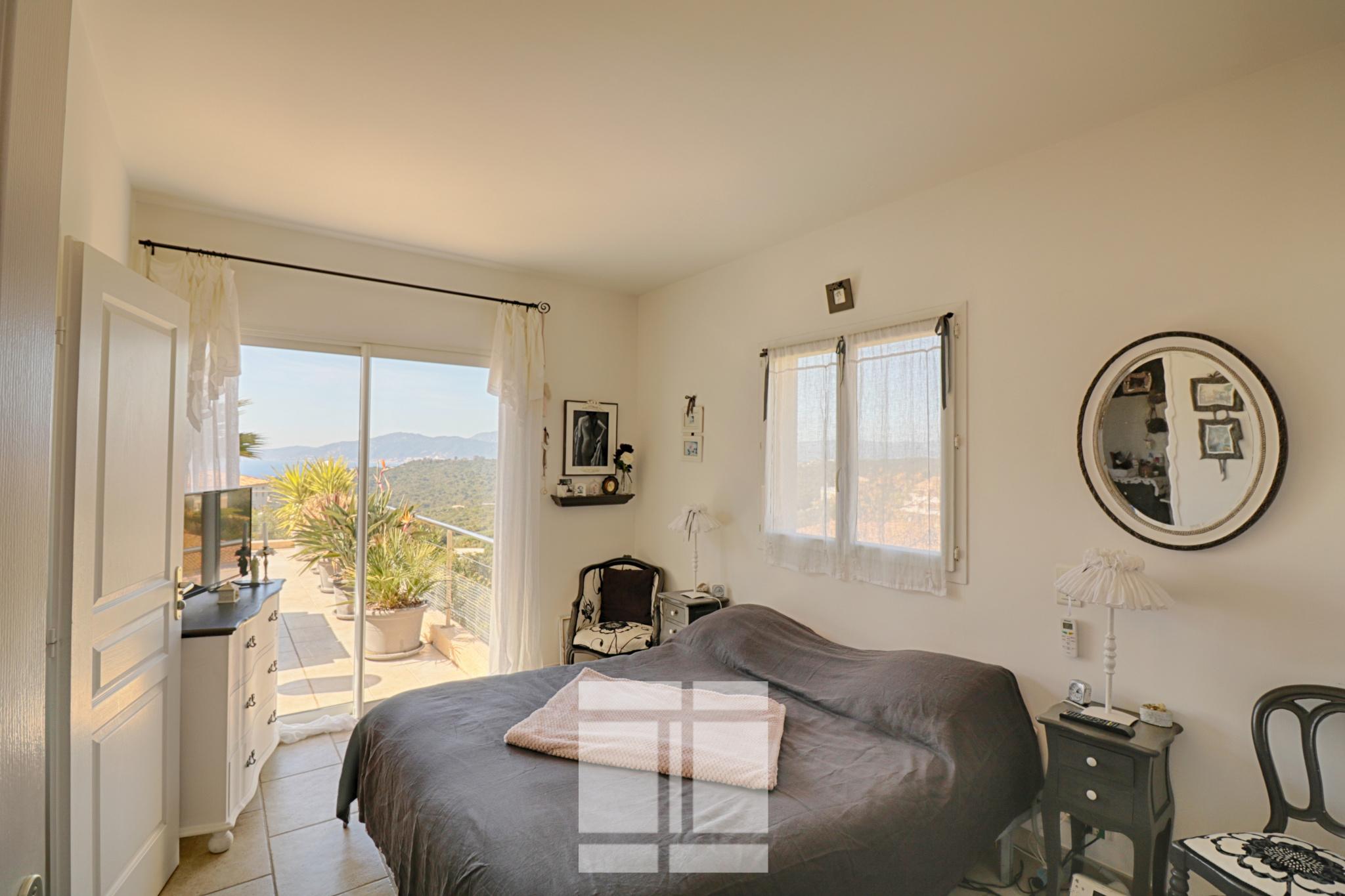 Porticcio - Belle villa récente, vue sur mer